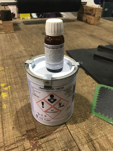 Cold cure vulcanising glue, Helmipren rubber adhesive contact rubber glue